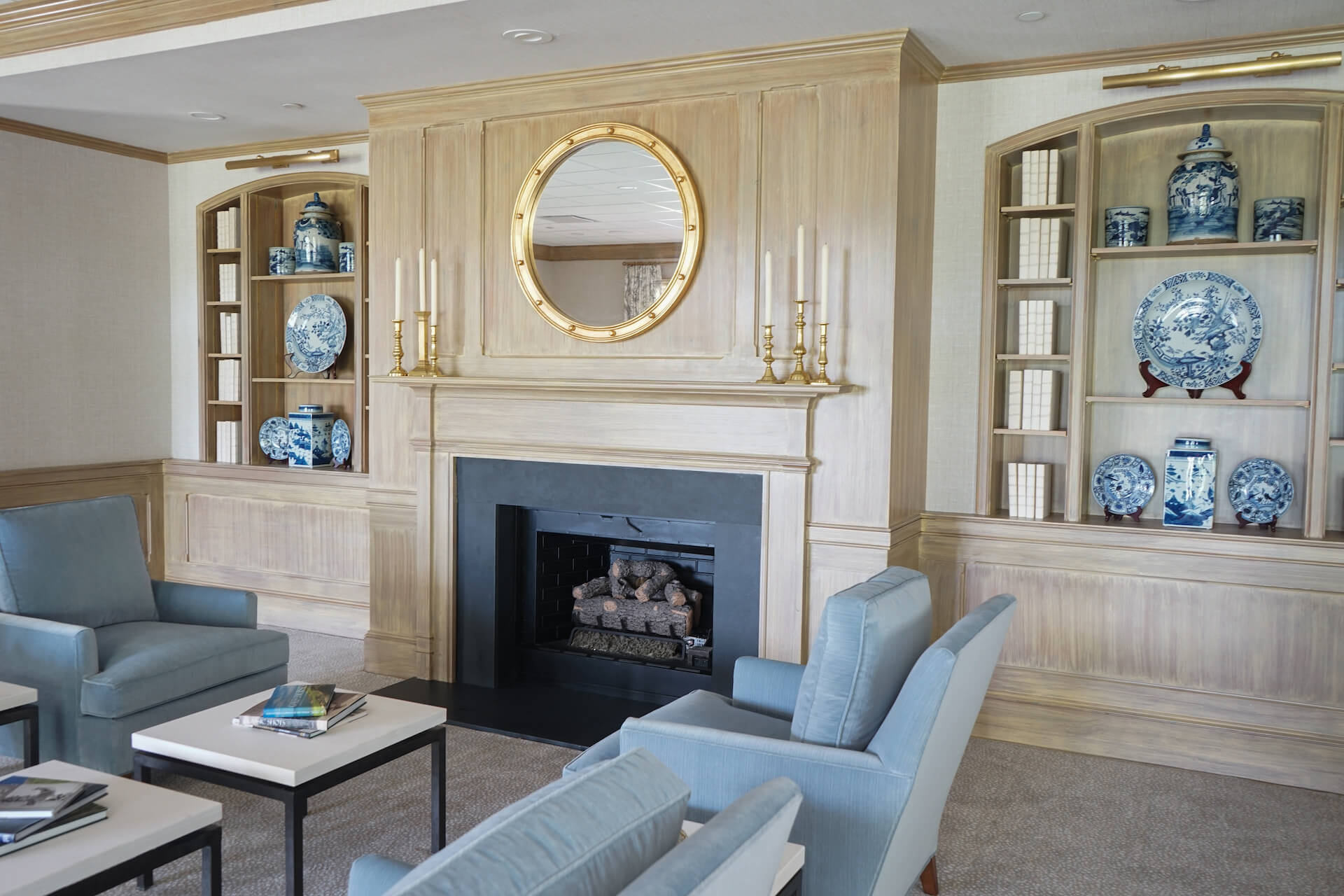 augusta country club sitting area angle view