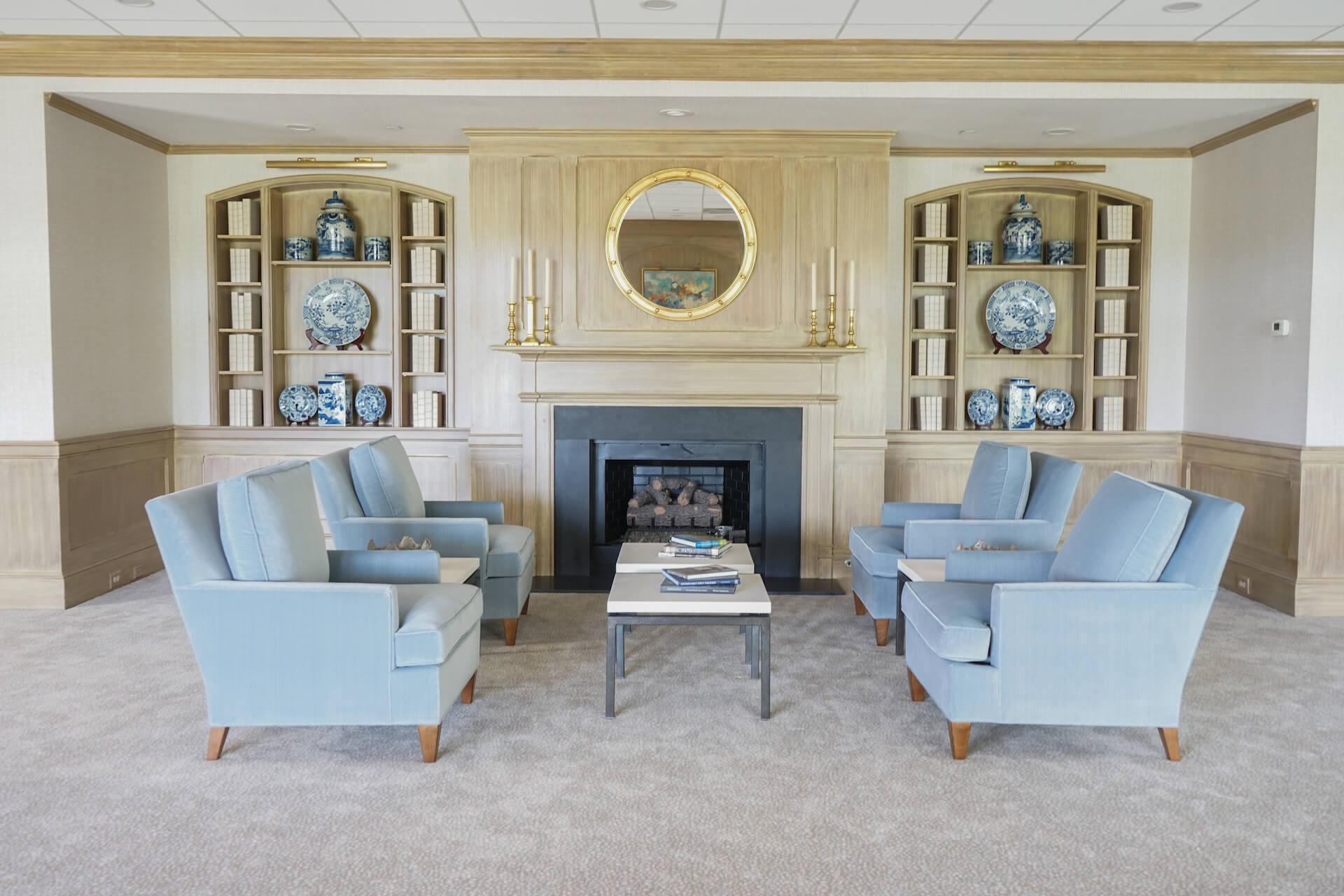 augusta country club sitting area